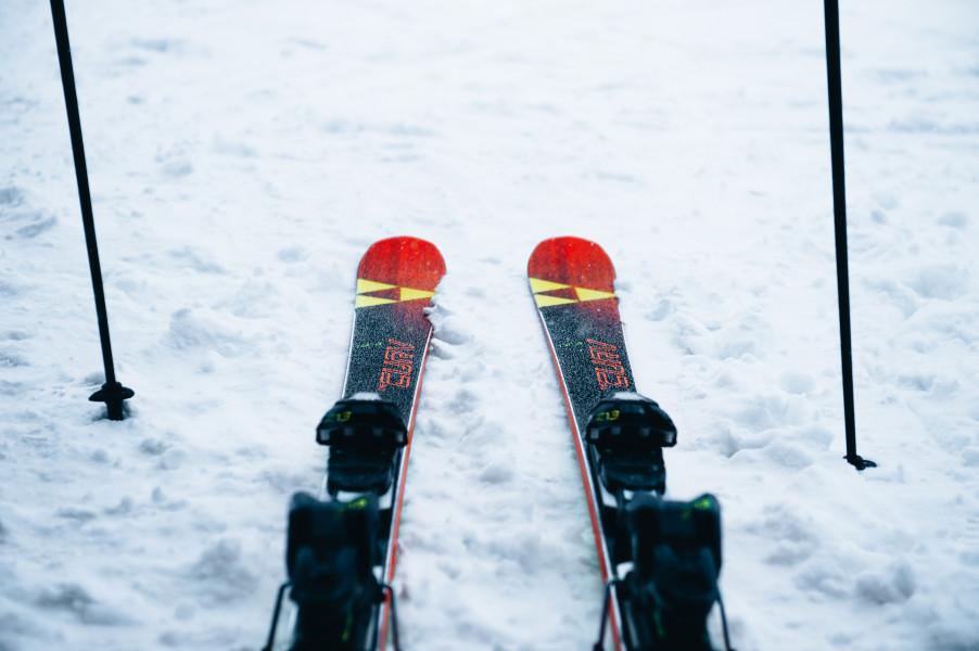 スキーギア揃えて